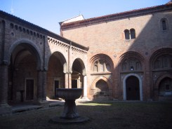The cloister of Santo Stefano