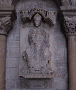 The statue of St. Thomas Becket.